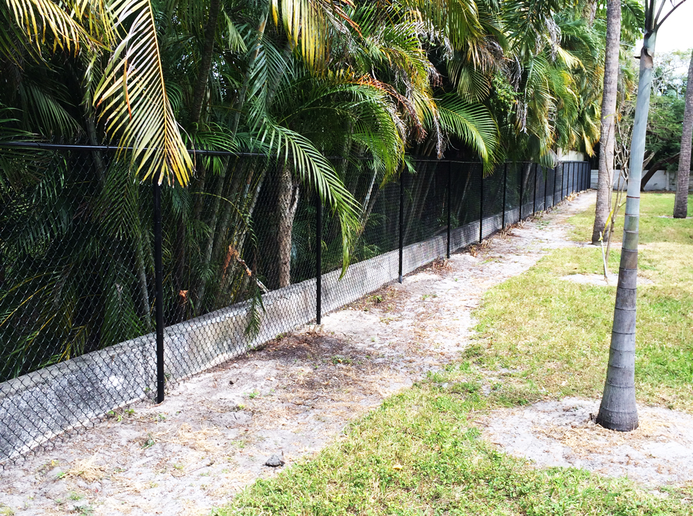 Chain link fencing in Coral Springs