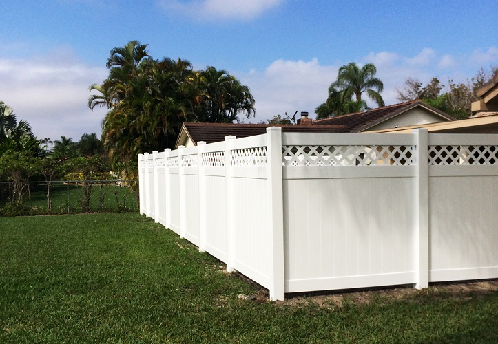 PVC lattice fencing in Coral Springs